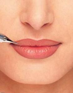 Татуаж губ Москва  Перманентный макияж (татуаж) губ photo11 235x300