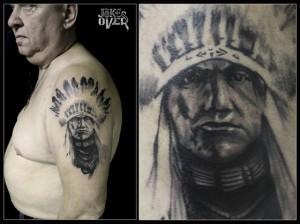 Тату на плече в черно-белом стиле Москва